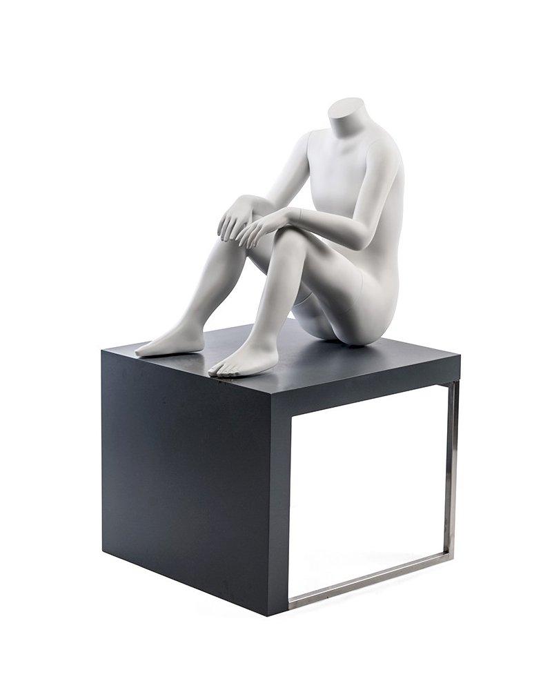 Maniqui Niño/a Sin Cabeza sentado en el suelo